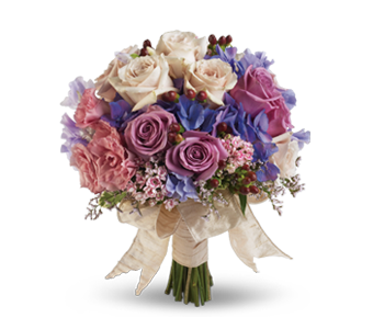 Choosing wedding flowers tips and trends teleflora - Flowers good luck bridal bouquet ...